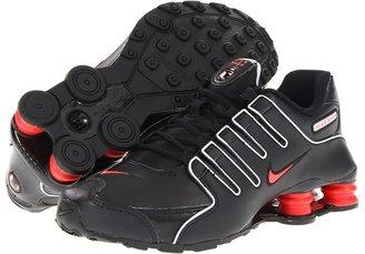 Nike Shox NZ SI Plus (Big Kid) (Black/Wolf Grey/Bright Crimson) - Footwear