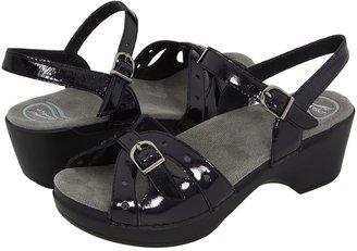 Dansko Sissy (Black Crinkle Patent) - Footwear