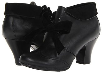 Hush Puppies Lonna Shootie (Black Leather) - Footwear