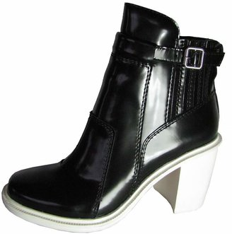 Elizabeth and James Women's E-Tempt Bootie